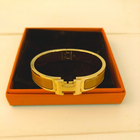 Hermes Jewelry   Preowned Authentic Clic Clac H Bracelet   Poshmark d0e4a751ca6